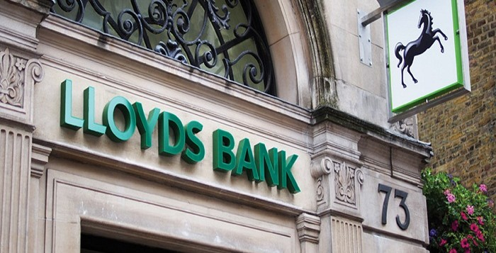 Lloyds will pay first dividend since financial crisis